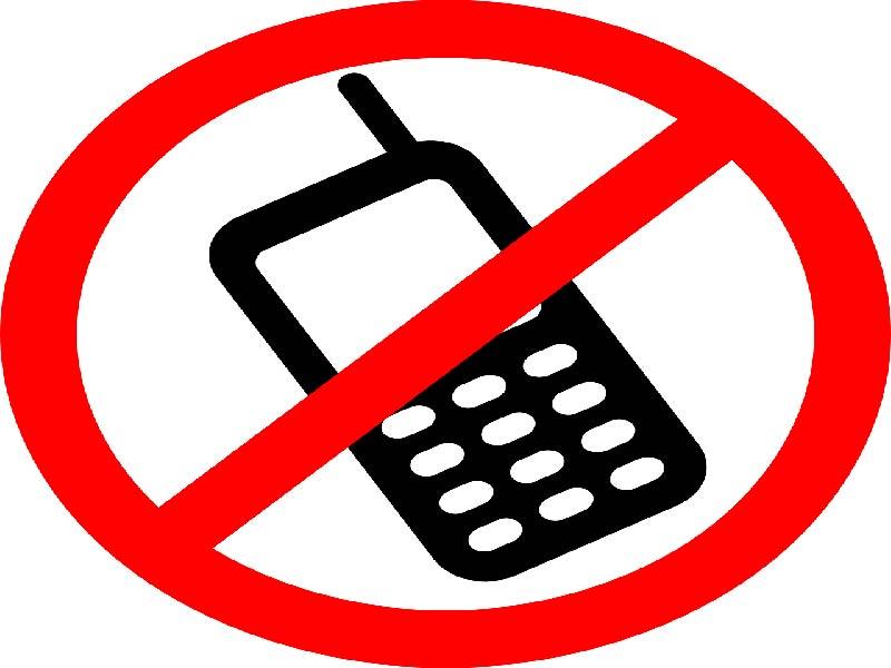 Aleja a tu bebé del celular a la hora de comer